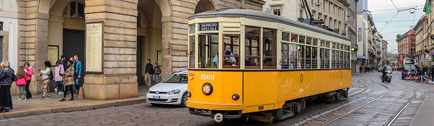 Milanon oranssi raitiovaunu